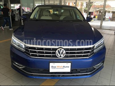 Volkswagen Passat Tiptronic Highline usado (2019) color Azul precio $290,000
