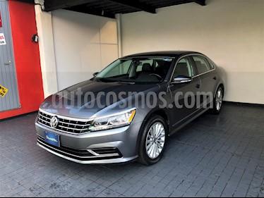 Volkswagen Passat Tiptronic Sportline usado (2017) color Gris precio $257,800