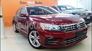 Foto venta Auto usado Volkswagen Passat R Line (2017) color Rojo Metalizado precio $395,000