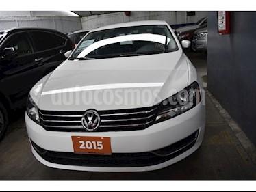 Foto venta Auto Seminuevo Volkswagen Passat SPORT LINE 5 CIL (2015) color Blanco precio $220,000