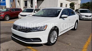 Foto venta Auto usado Volkswagen Passat Tiptronic Comfortline (2017) color Blanco precio $239,900