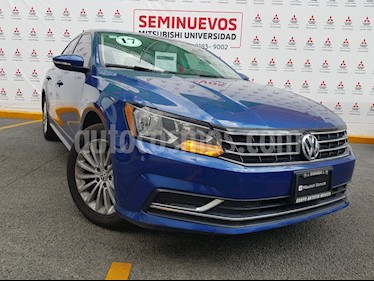 Foto Volkswagen Passat Tiptronic Comfortline usado (2017) color Azul Noche precio $249,000