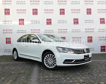 Foto Volkswagen Passat Tiptronic Comfortline usado (2017) color Blanco Candy precio $255,000