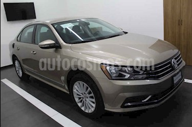 Foto Volkswagen Passat Tiptronic Comfortline usado (2017) color Dorado precio $235,000