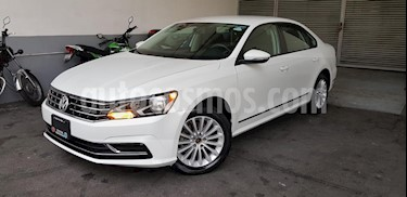 Foto Volkswagen Passat Tiptronic Comfortline usado (2017) color Blanco precio $260,000