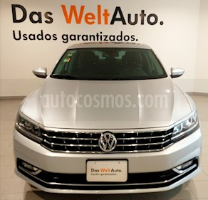 Foto Volkswagen Passat Tiptronic Highline usado (2018) color Plata Reflex precio $245,000