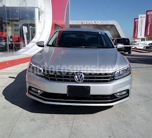 Foto Volkswagen Passat Tiptronic Highline usado (2017) color Plata Reflex precio $300,000