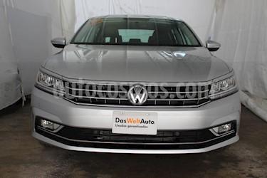Foto venta Auto usado Volkswagen Passat Tiptronic Highline (2018) color Plata precio $434,000