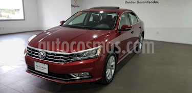 Foto Volkswagen Passat Tiptronic Highline usado (2018) color Rojo precio $405,000