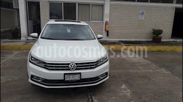 Volkswagen Passat Tiptronic Highline usado (2017) color Blanco precio $315,000