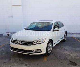Foto Volkswagen Passat Tiptronic Highline usado (2018) color Blanco precio $410,000