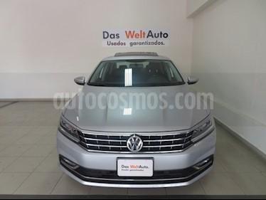 Foto venta Auto usado Volkswagen Passat Tiptronic Highline (2017) color Plata Reflex precio $334,278