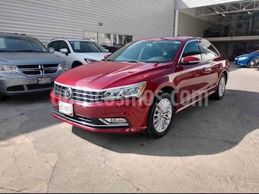Foto venta Auto usado Volkswagen Passat Tiptronic Highline (2017) color Rojo precio $335,000