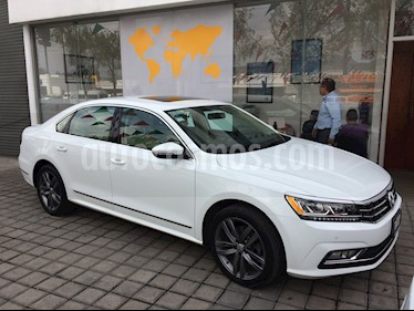 Foto venta Auto Seminuevo Volkswagen Passat Tiptronic Sportline (2018) color Blanco Candy precio $425,000