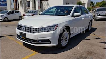Foto venta Auto usado Volkswagen Passat Tiptronic Sportline (2017) color Blanco precio $199,800
