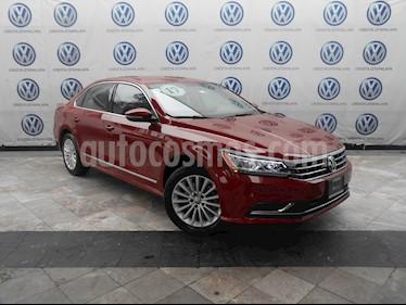 Foto venta Auto usado Volkswagen Passat Tiptronic Sportline (2017) color Rojo precio $309,000