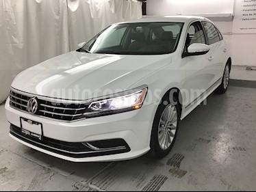 Foto venta Auto usado Volkswagen Passat Tiptronic Sportline (2017) color Blanco Candy precio $229,000