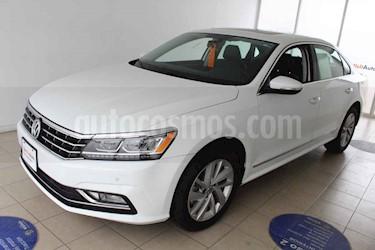 Volkswagen Passat Tiptronic Sportline usado (2018) color Blanco precio $406,000