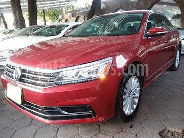 Foto venta Auto usado Volkswagen Passat Tiptronic Sportline (2017) color Rojo precio $259,900