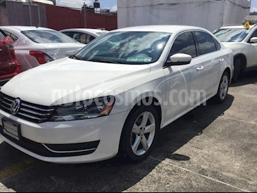 Foto venta Auto Seminuevo Volkswagen Passat VW PASSAT SPORTLINE (2015) color Blanco precio $213,000