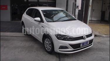 Volkswagen Polo 5P Trendline Aut usado (2018) color Blanco precio $999.900