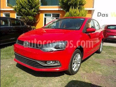 Foto venta Auto Seminuevo Volkswagen Polo Hatchback 1.6L (2017) color Rojo precio $180,000