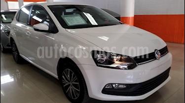 Foto venta Auto Seminuevo Volkswagen Polo Hatchback Allstar (2018) color Blanco Candy precio $197,000