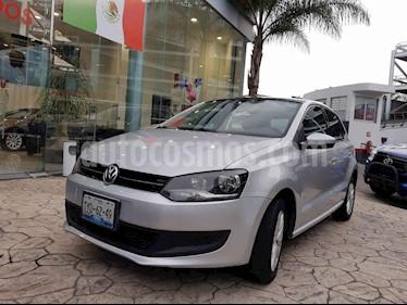 foto Volkswagen Polo Hatchback Comfortline Aut usado (2013) color Plata precio $146,000