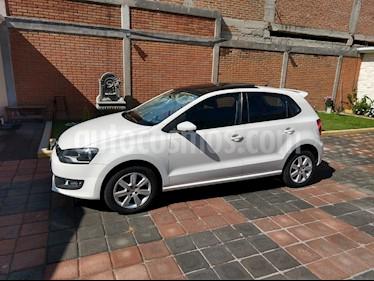 Foto venta Auto Seminuevo Volkswagen Polo Hatchback Highline (2014) color Blanco Candy precio $160,000