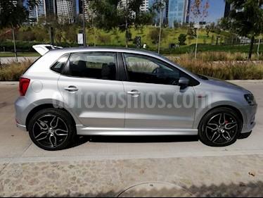 Volkswagen Polo 1.6L Base 5P Ac usado (2017) color Gris precio $175,000