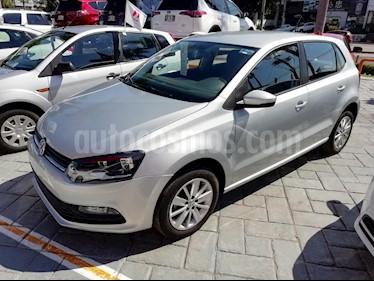 Foto venta Auto Seminuevo Volkswagen Polo 1.6L Base 5P (2017) color Plata precio $179,000