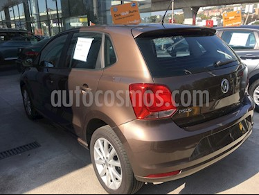 Foto Volkswagen Polo 1.6L Comfortline 5P usado (2019) color Marron precio $245,000