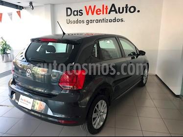 Foto venta Auto Seminuevo Volkswagen Polo 1.6L Comfortline 5P (2018) color Gris Carbono