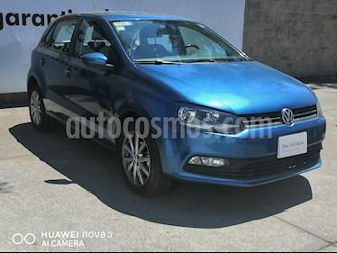 foto Volkswagen Polo 1.6L Comfortline 5P usado (2019) color Azul precio $210,000