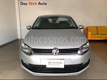 Foto Volkswagen Polo 1.6L Comfortline 5P usado (2019) color Plata precio $235,000