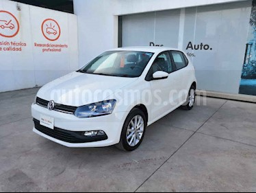 foto Volkswagen Polo 5p Design & Sound L4/1.6 Aut usado (2019) color Blanco precio $237,000