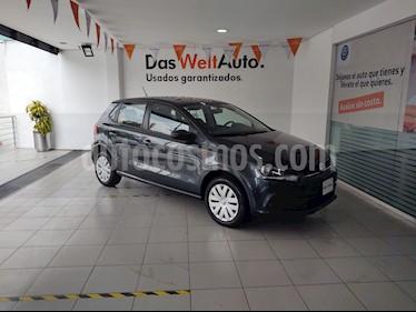 foto Volkswagen Polo 1.6L Comfortline 5P usado (2019) color Gris precio $199,000