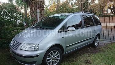 Foto venta Auto usado Volkswagen Sharan 1.8 Turbo Trendline (2011) color Gris Plata  precio $340.000