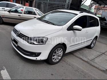 Foto Volkswagen Suran 1.6 Highline Cuero usado (2014) color Blanco precio $480.000
