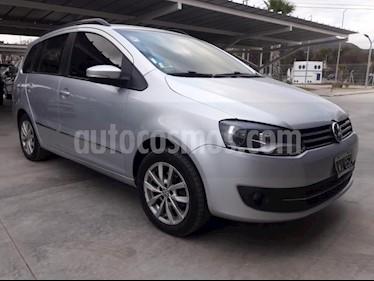 Foto venta Auto usado Volkswagen Suran 1.6 Highline Plus (2012) color Gris Claro precio $310.000
