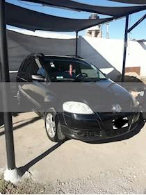 Volkswagen Suran 1.6 Highline usado (2010) color Negro Universal precio $235.000