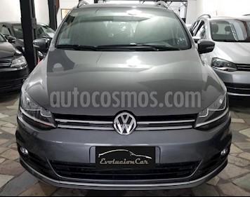 Foto venta Auto Usado Volkswagen Suran 1.6 MSI Highline 16 V. (L15) (2015) color Gris precio $377.000