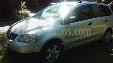 Foto venta Auto usado Volkswagen Suran 1.6 Trendline (2009) color Gris precio $150.000