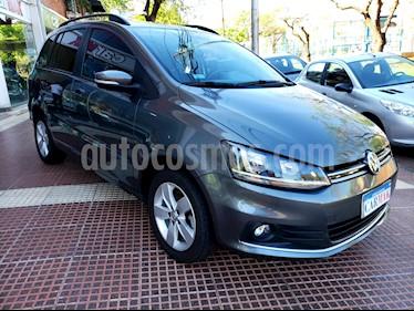 Foto venta Auto usado Volkswagen Suran 1.6 Trendline (2017) color Gris precio $499.990
