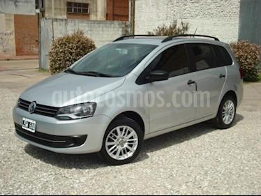Foto venta Auto Usado Volkswagen Suran 1.6 Trendline (2011) color Gris Claro precio $149.000