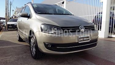 Foto venta Auto usado Volkswagen Suran 1.6 Trendline (2015) color Beige Arena precio $485.000
