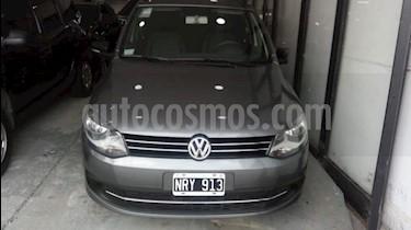 Foto venta Auto usado Volkswagen Suran 1.6 Trendline (2014) color Gris Oscuro precio $299.000