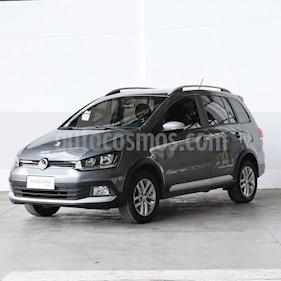 Volkswagen Suran 1.6 Highline usado (2015) color Gris precio $609.000