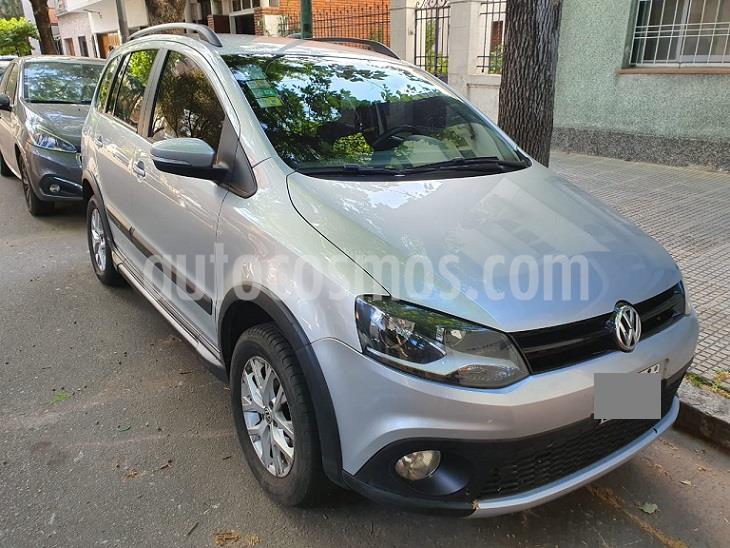 Volkswagen Suran Cross 1.6 Highline usado (2014) color Plata precio $935.000