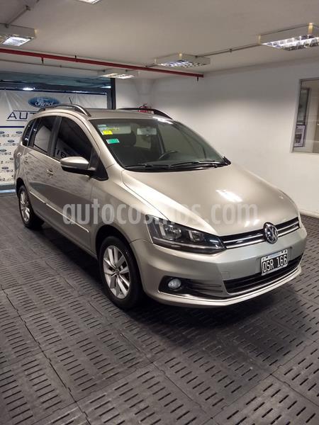 Volkswagen Suran 1.6 Trendline usado (2015) color Gris precio $915.000